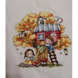 Haft krzyżykowy - Domek na drzewie - jesień - zestaw do haftu na gładkiej kanwie